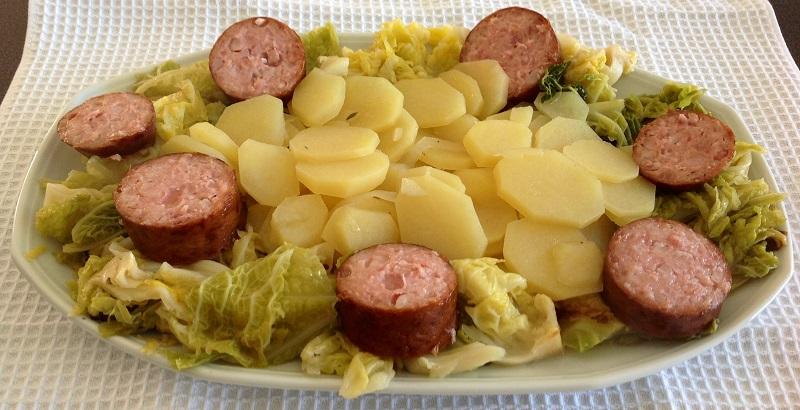 Morteau en cocotte la monlassi re for Plats cuisines livres a domicile